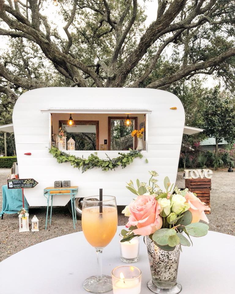 Sweet Lulu's Charleston, Charleston Wedding Bar, Charleston Horse Trailer Bar, Charleston Vintage Camper Bar